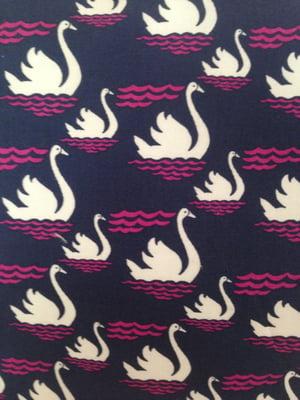 Image of 'Swans' boxbag