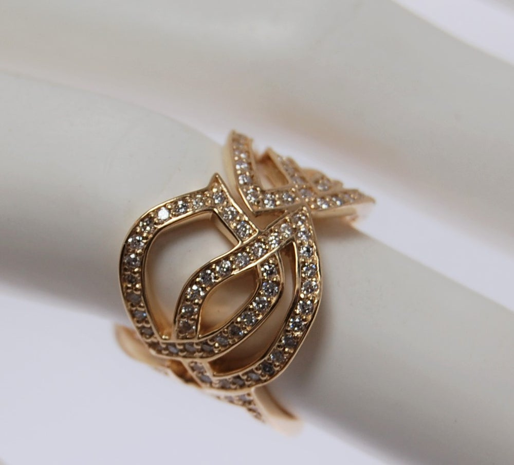 Image of Tratti gold and diamonds ring