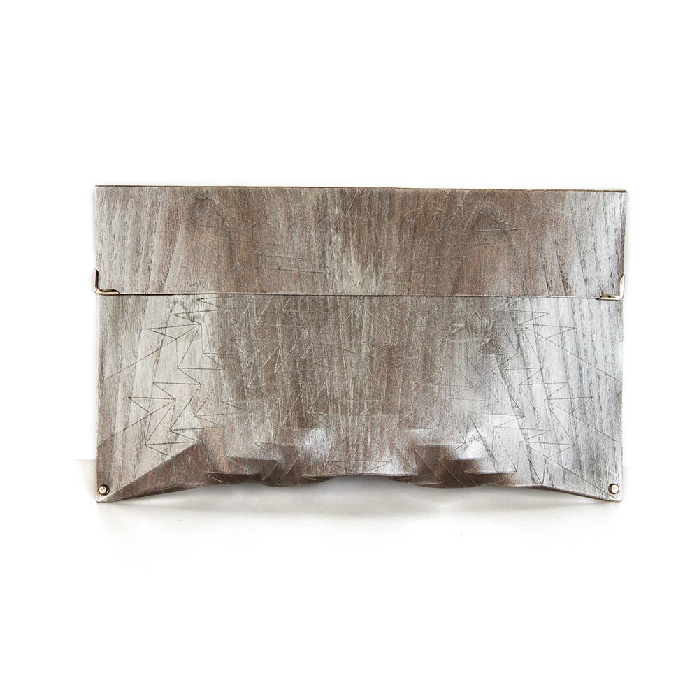 Image of Clutch in wood - Aztec size M - color silver