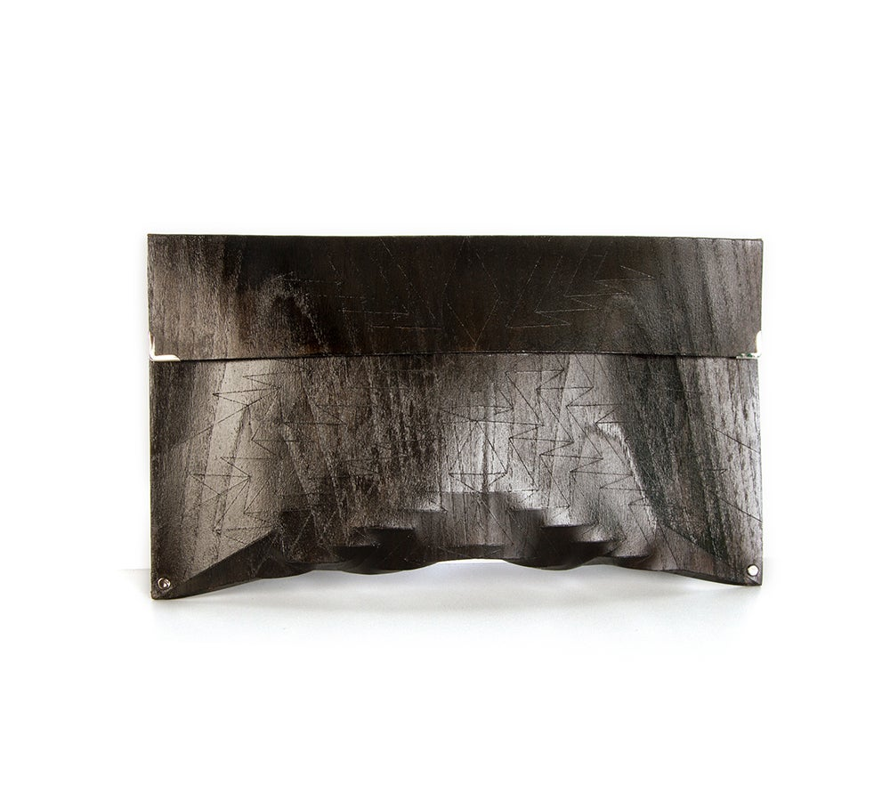 Image of Clutch in wood - Aztec size M - color black