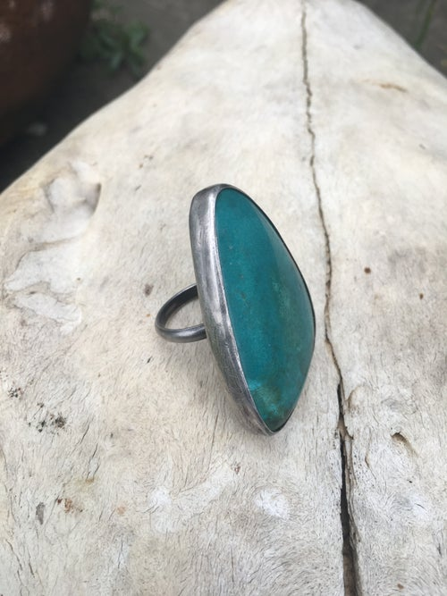 Image of BRIGHT BLUE-GREEN TURQUOISE RING