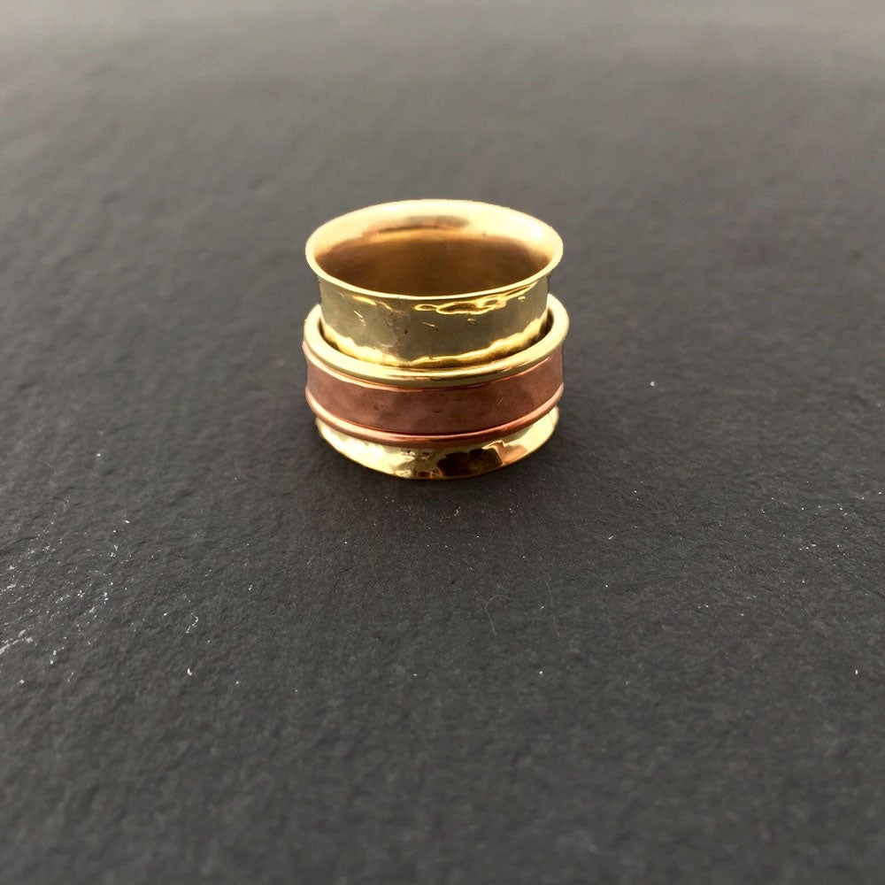 Image of Stressring with 2 rings and 1 band in copper and brass