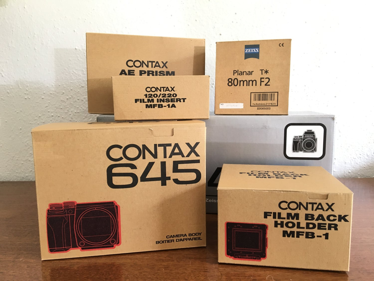 Image of Contax 645 OEM boxes & caps