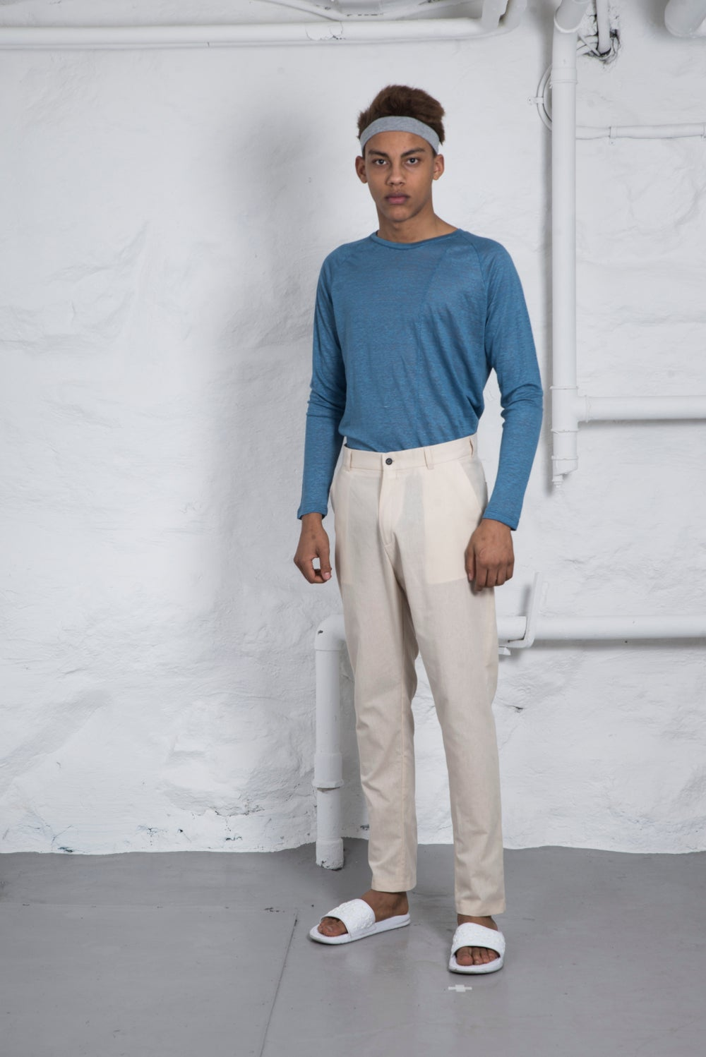 Image of Nico low crotch trousers beige