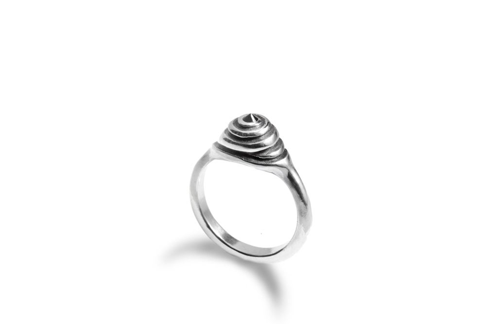Image of Spiral ring with black spinel