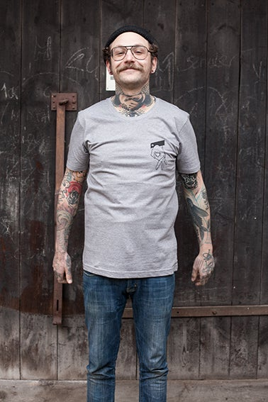 "Image of T-Shirt ""Das Dritte Loch"""