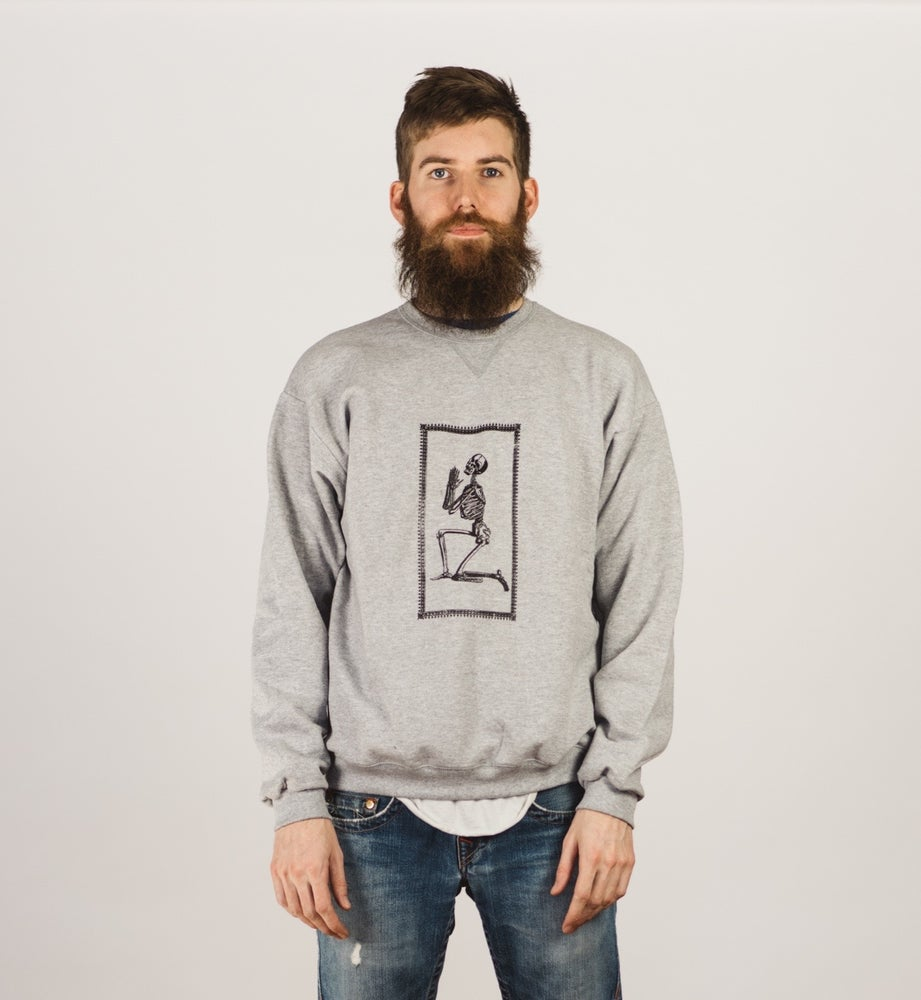 Image of PRAYING SKELETON CREWNECK