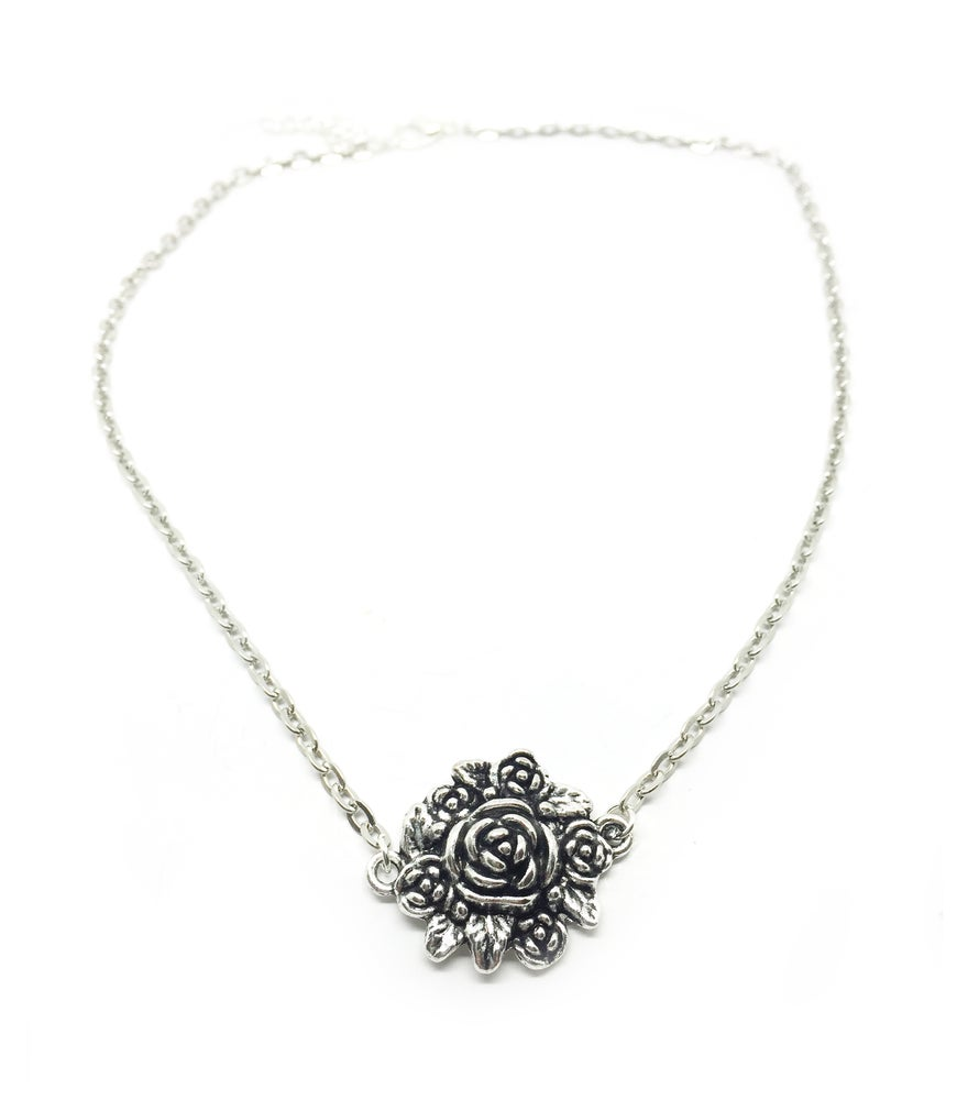 Image of Silver Floral Choker