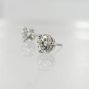 Image of 14ct White Gold Diamond Studs. Pj5762