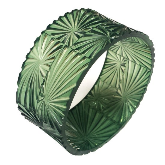Image of bevel bangle - shamrock
