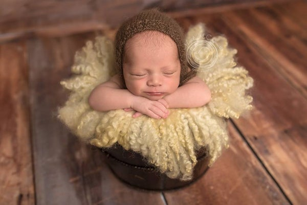 Image of Round Curly Felted Blanket - BUTTER CREAM