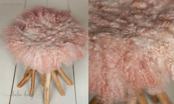Image of Round Curly Felted Blanket - VINTAGE PINK