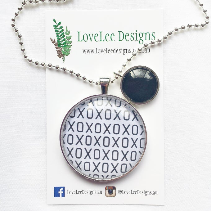 Image of 1.5inch pendant with charm - XOXO