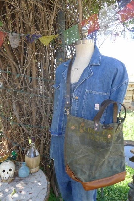 Image of VINTAGE MILITARY CANVAS AND LEATHER BUCKET TOTE BAG #6