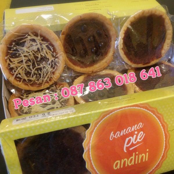 Image of kue pie susu khas bali