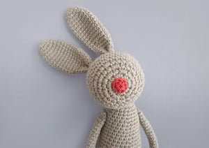 "Image of Softie ""Red-Nose-Bunny"" / Kuscheltier ""Stupshase"""