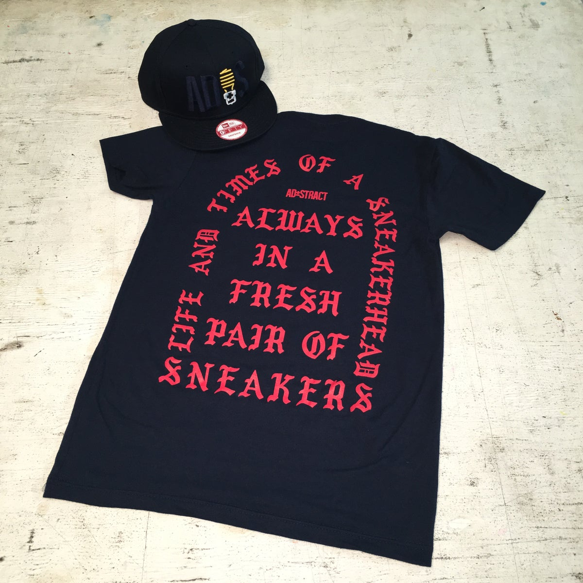 Image of I AM A SNEAKERHEAD (NAVY/RED) TSHIRT