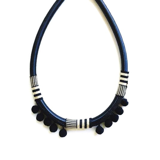 Image of Noir Oro textile necklace