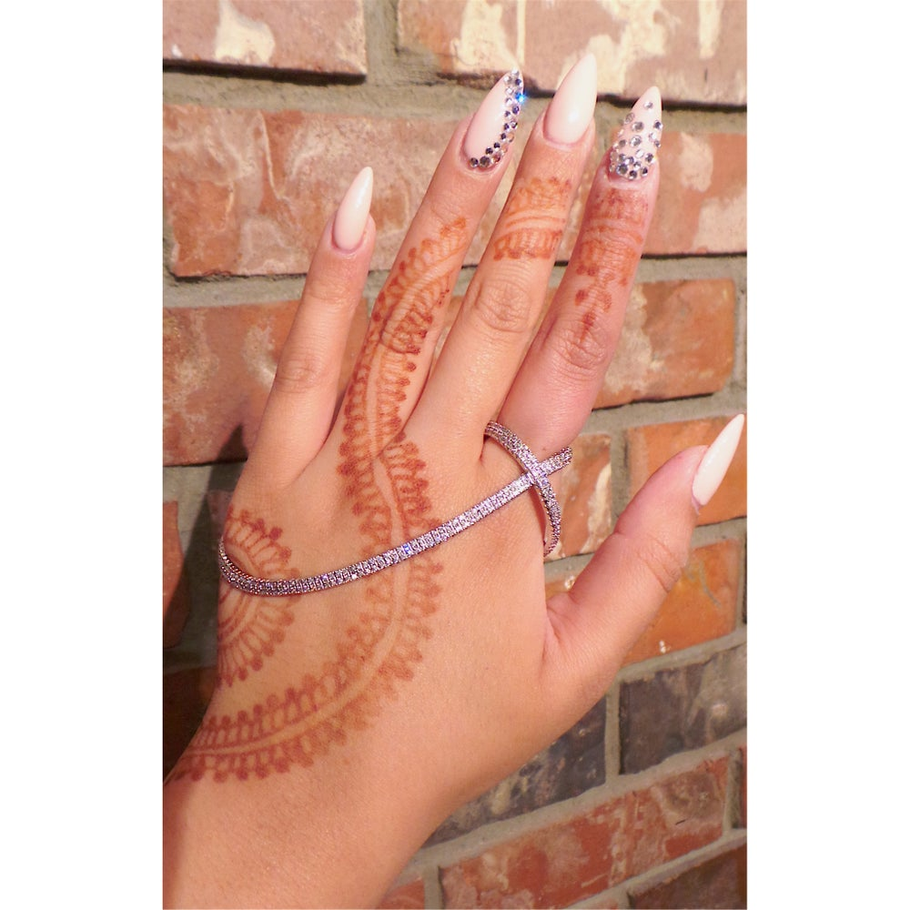 Image of Amya Hand Piece