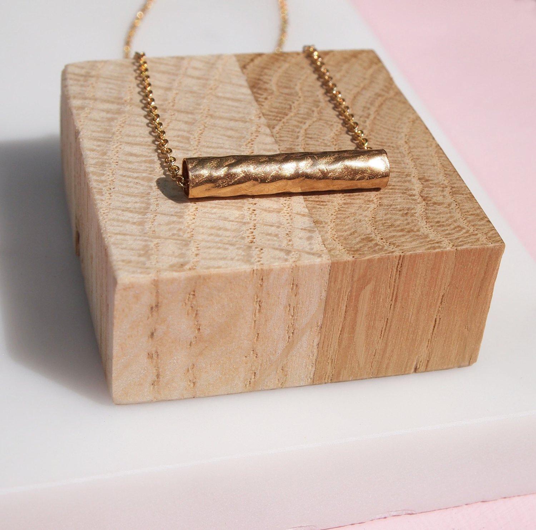 Image of gold barrel necklace
