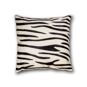Image of 676685013477 Natural- Torino Cowhide Pillow 18X18 Zebra