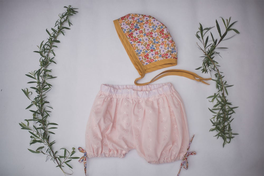 Image of Girls Bloomer & Bonnet Set