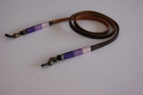 Foto de Cordón cuelga gafas cuero - classy leather Azafrán