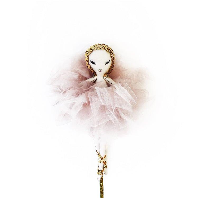 "Image of ""MAVEN ODETTE"" a Maven Miniature"