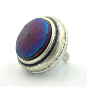 Image of Iris Star Vintage Button Cocktail Ring