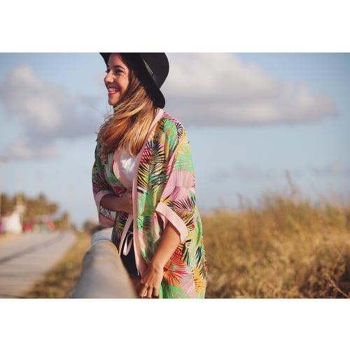 "Image of Sobrecamisa 🌴""Tropical Palms"" (Rosa)"