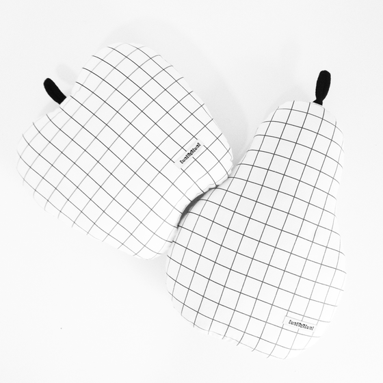 Image of Grid Cushion - PEAR or APPLE