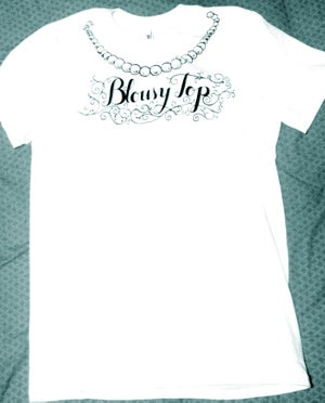 "Image of ""BLOUSY TOP"" TEE"