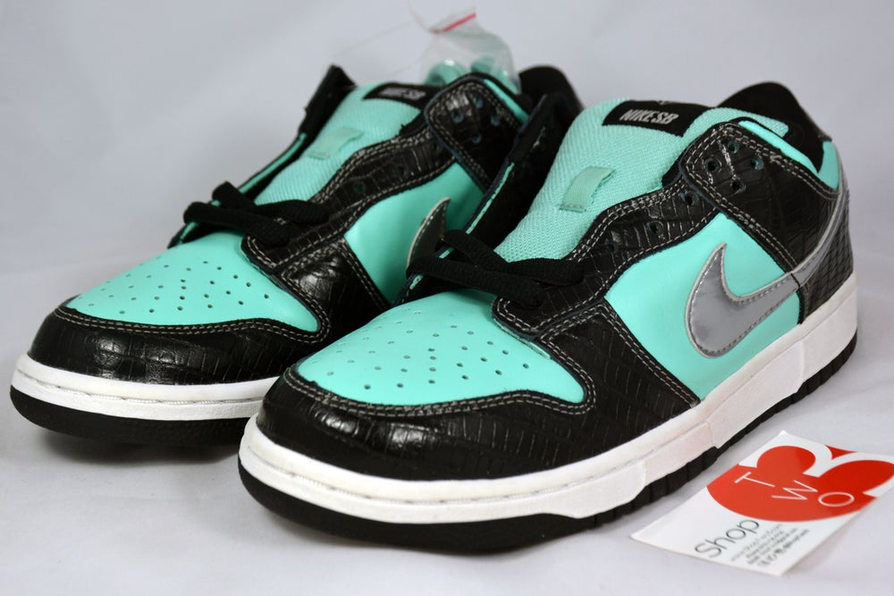 "Image of Nike Dunk SB Low Diamond Supply Co. ""Tiffany"""