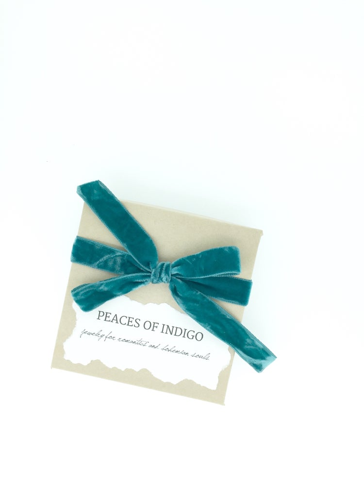 Image of veni vidi vici collar stays by peaces of indigo