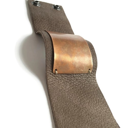 Image of Plate Cuff