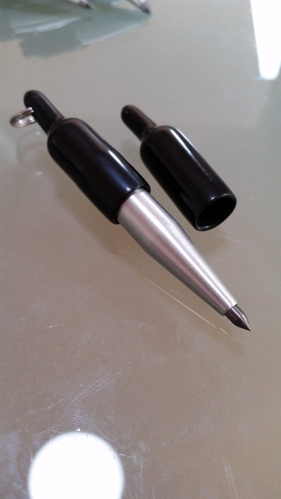 "Image of ""SUPER HEAVY DUTY WIDE TIP"" CARBIDE POINT MAGNETIC END KEYCHAIN SCRIBES"