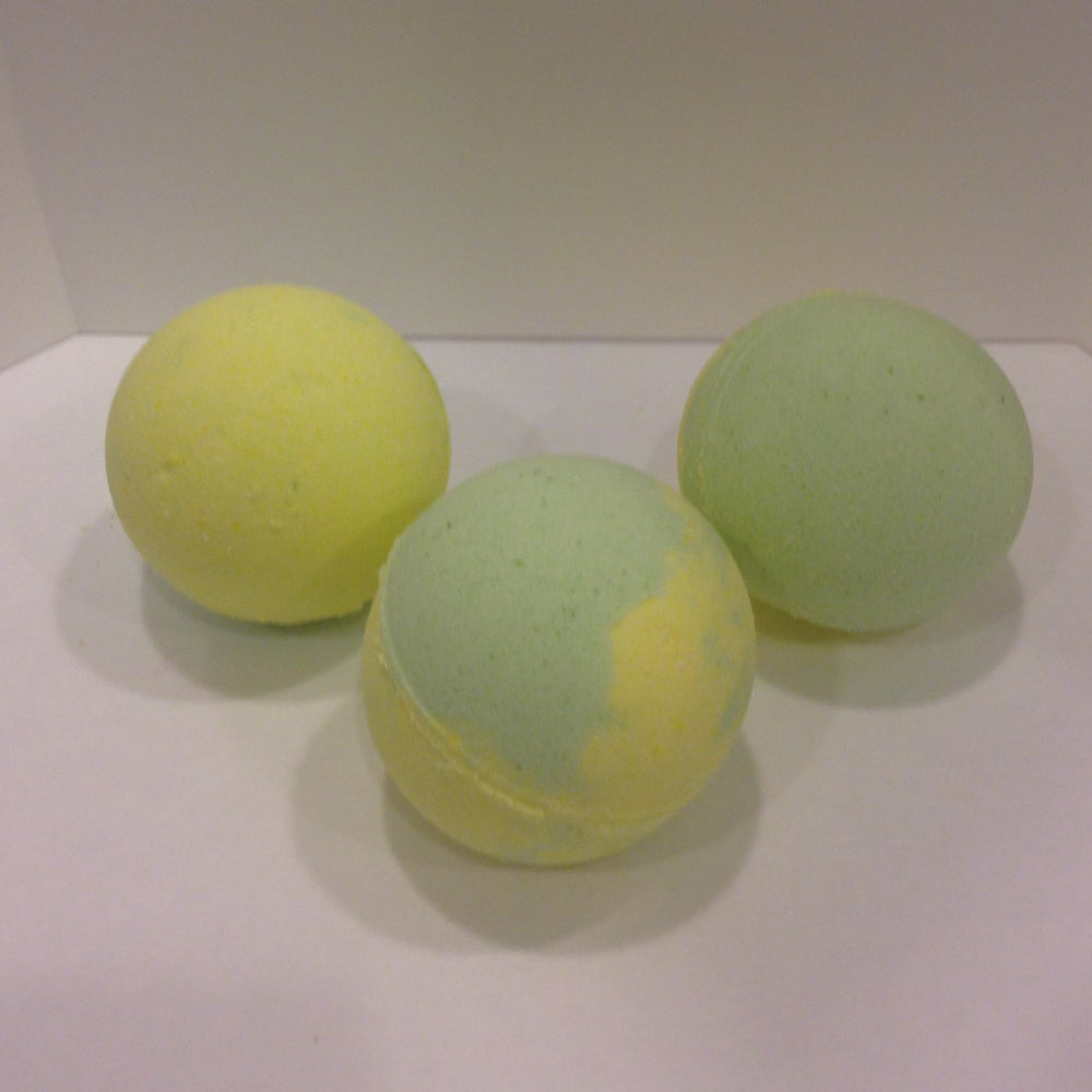 Image of Monkey Farts Bath Bomb