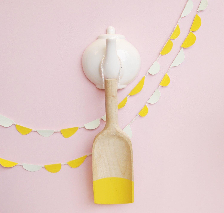 Image of spout hook