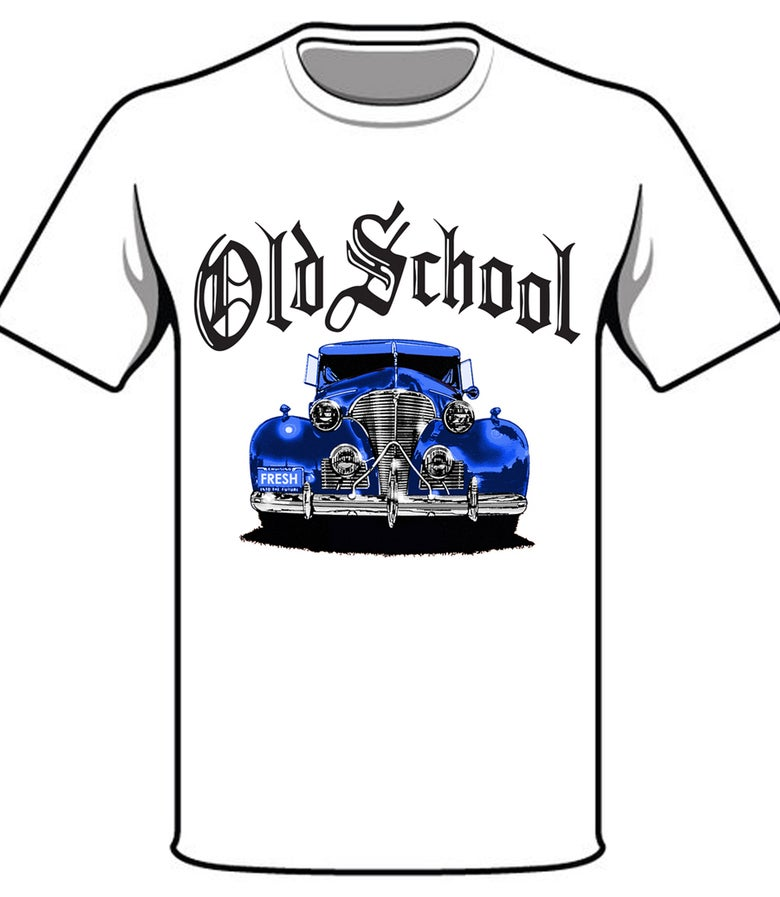 Image of #30W OS BLUE CAR WHITE TSHIRT