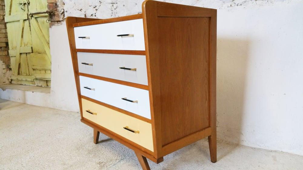 Image of Commode dégradé de couleurs - Vintage