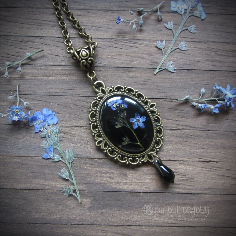 Image of Forget-me-not Pressed Flower Cameo Necklace