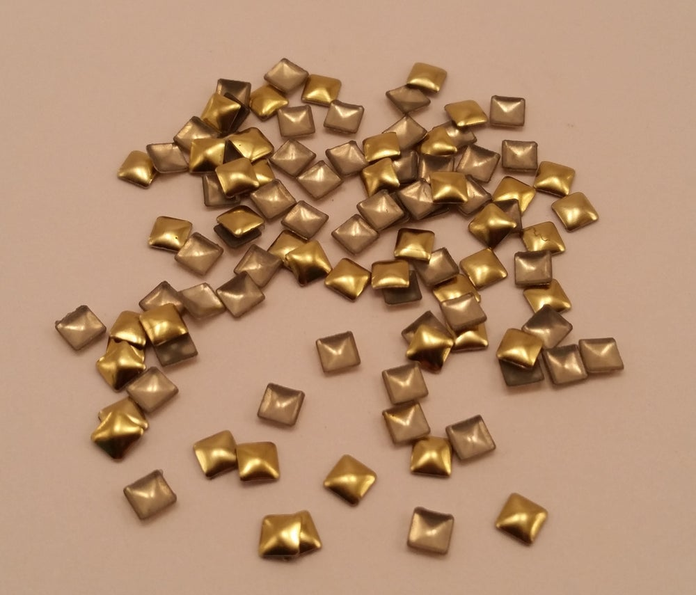 Image of Square nail art studs (100 pcs) Gold or silver 3x3