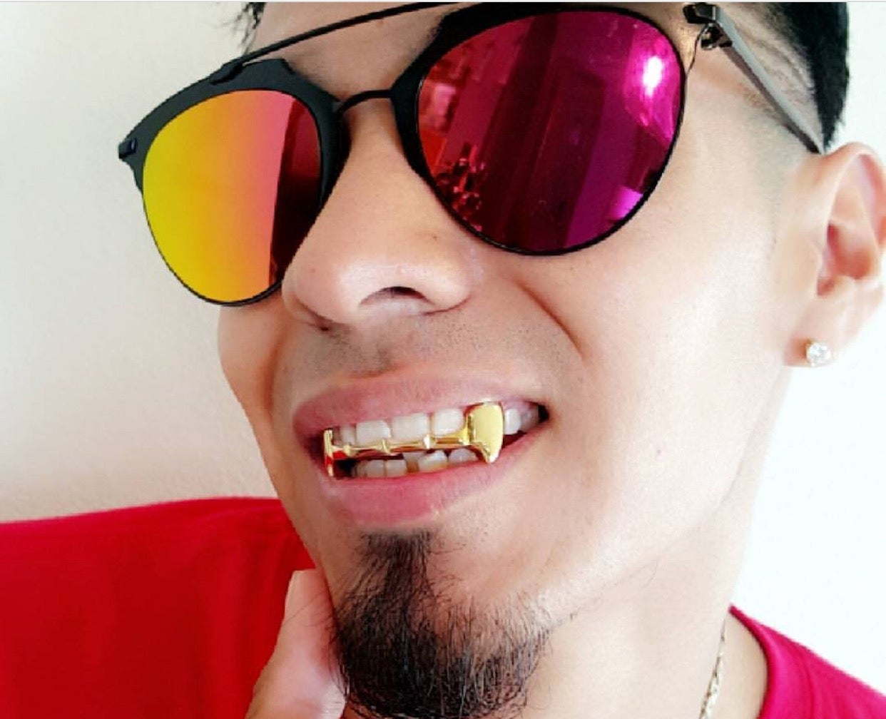 Image of NEECHIE - OUTLINE OPEN FACE FANG (Gold) GRILLZ