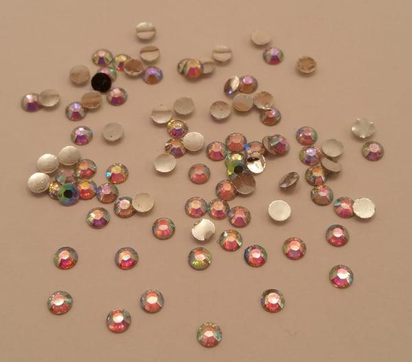 Image of RESIN ab nail gems (50-100pcs) 3-6mm