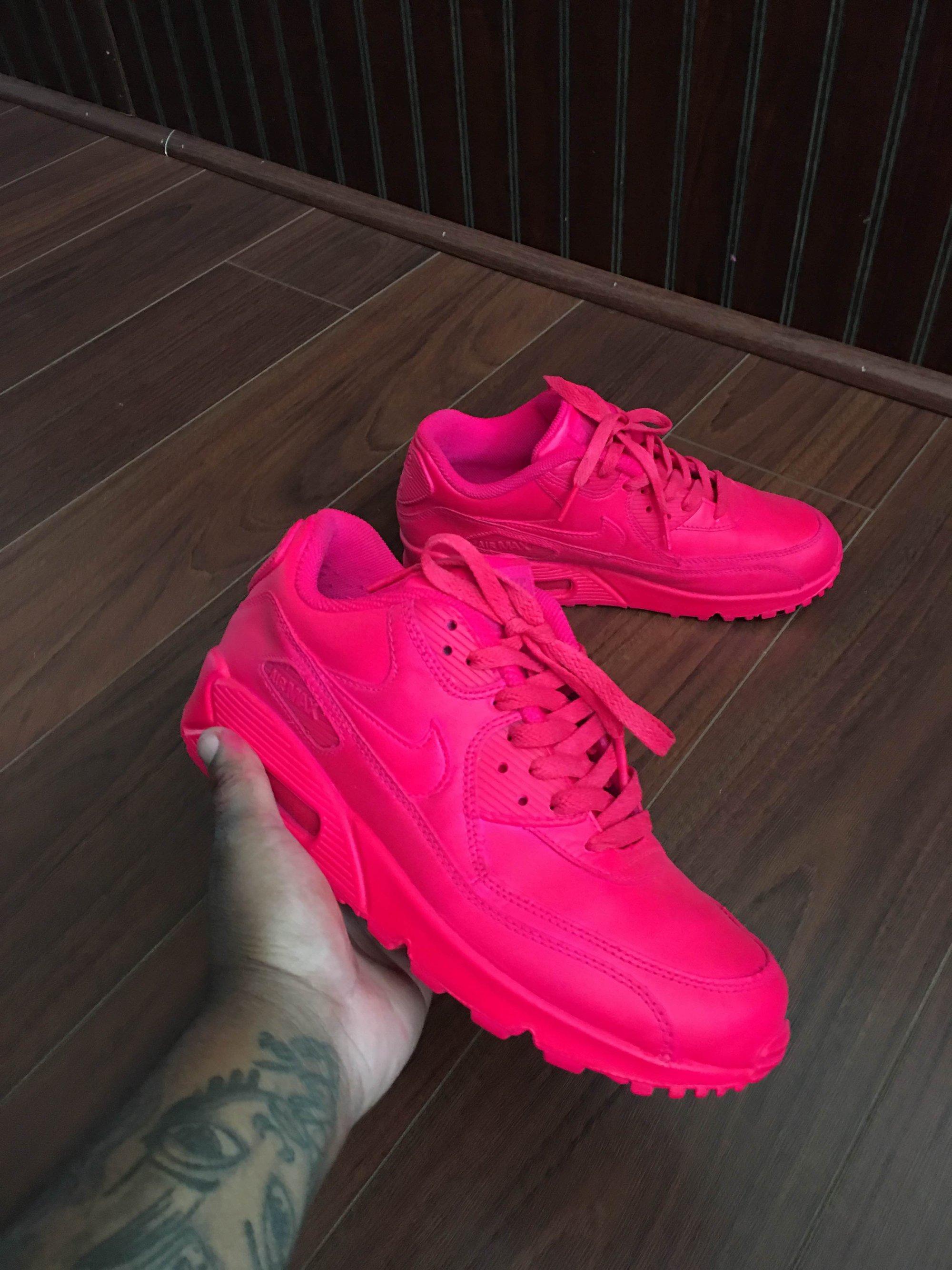 Neon Pink Air Max 90