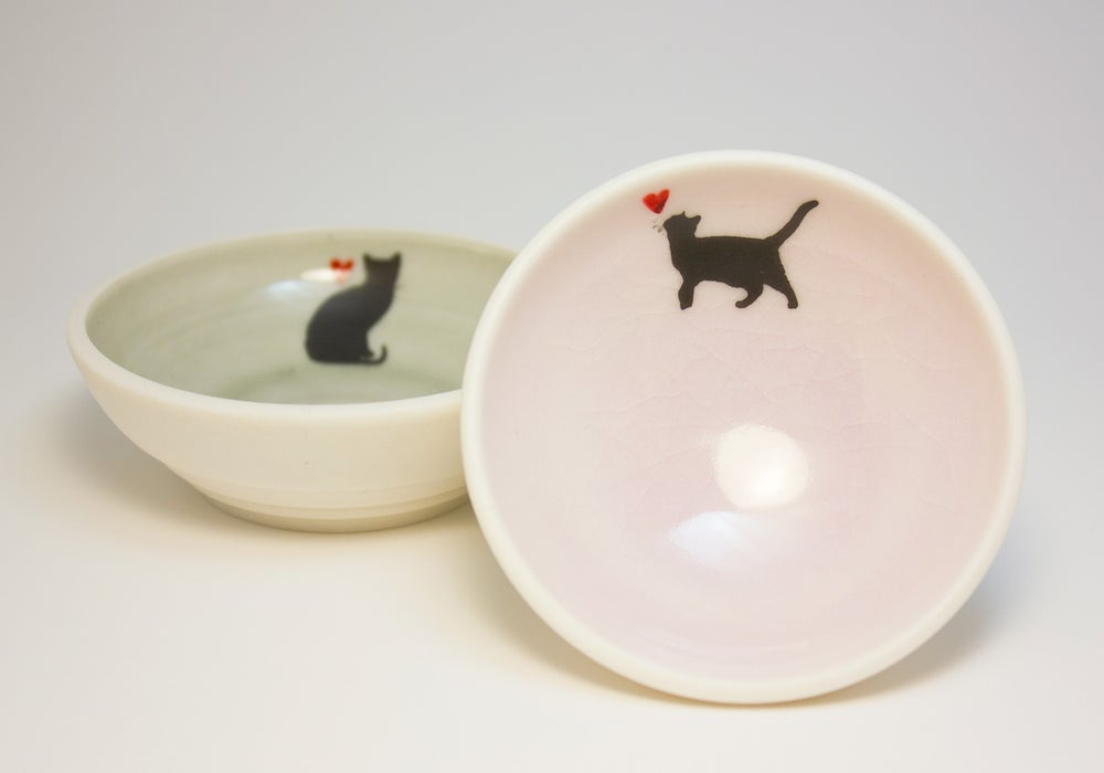 Image of Small Bowl with Cat and Heart