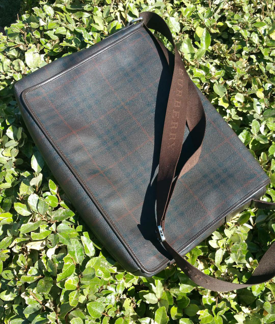 Image of Burberry Messenger bag Large