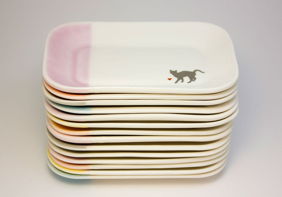Image of Low-Profile Porcelain Cat Food Dish
