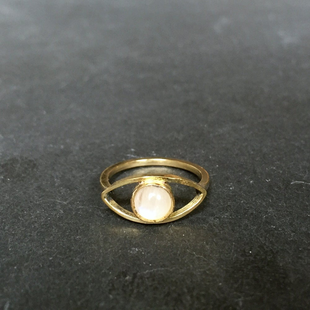 Image of Eye am ring moonstone