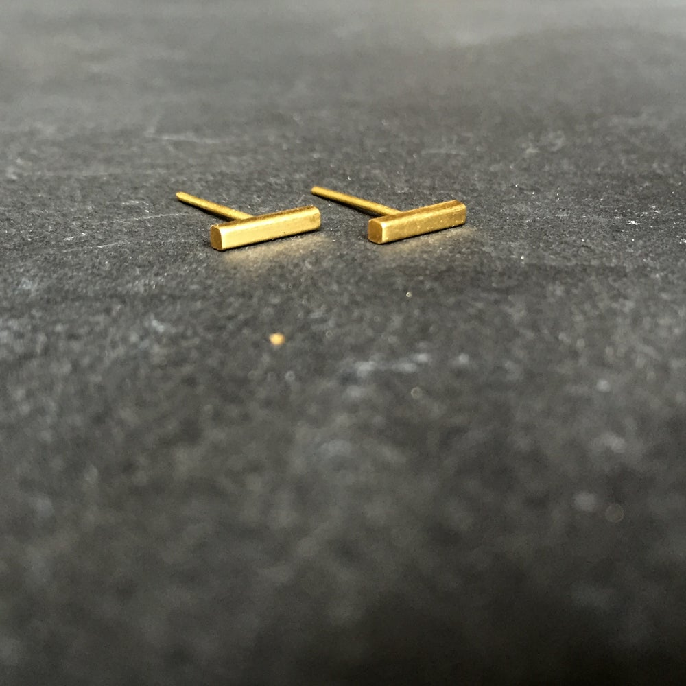 Image of Magic wand studs brass